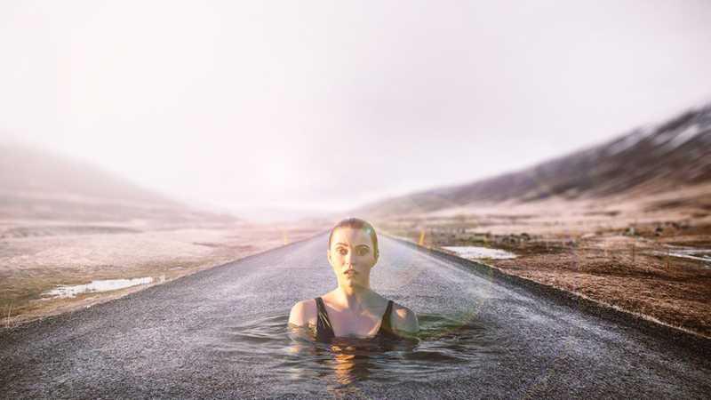 PS合成高速公路上的出水少女